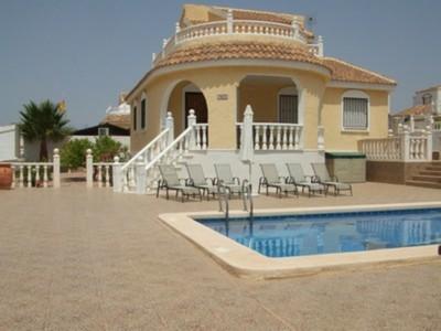 B383: Villa in Camposol