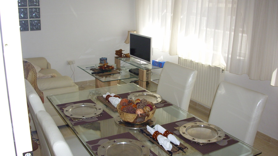 For holiday Villa Camposol