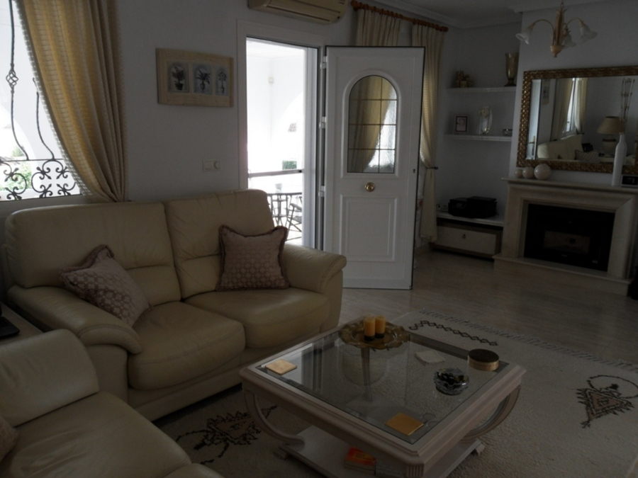 1582: Villa for sale in  Camposol