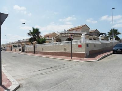 C2WL: Villa in Camposol
