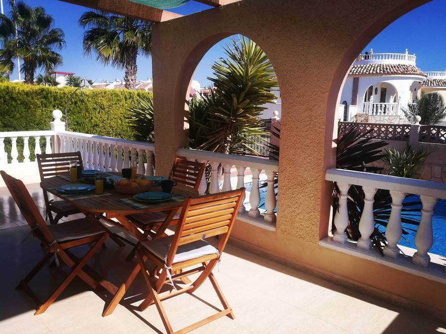 D1728: Villa for rent in  Camposol