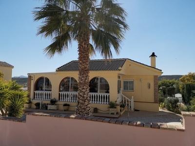 1708: Villa in Camposol