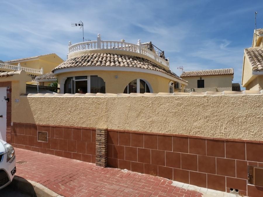 1722: Villa for sale in  Camposol